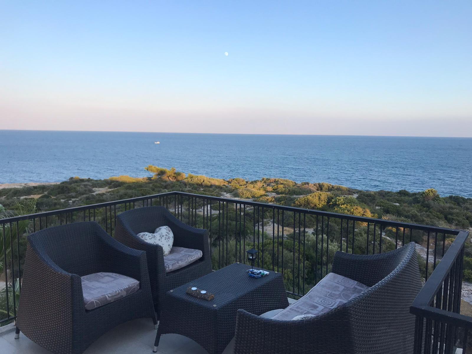 Mersin Narlıkuyu Nazar Sitesi Denize Sıfır 4+1 Satılık Villa