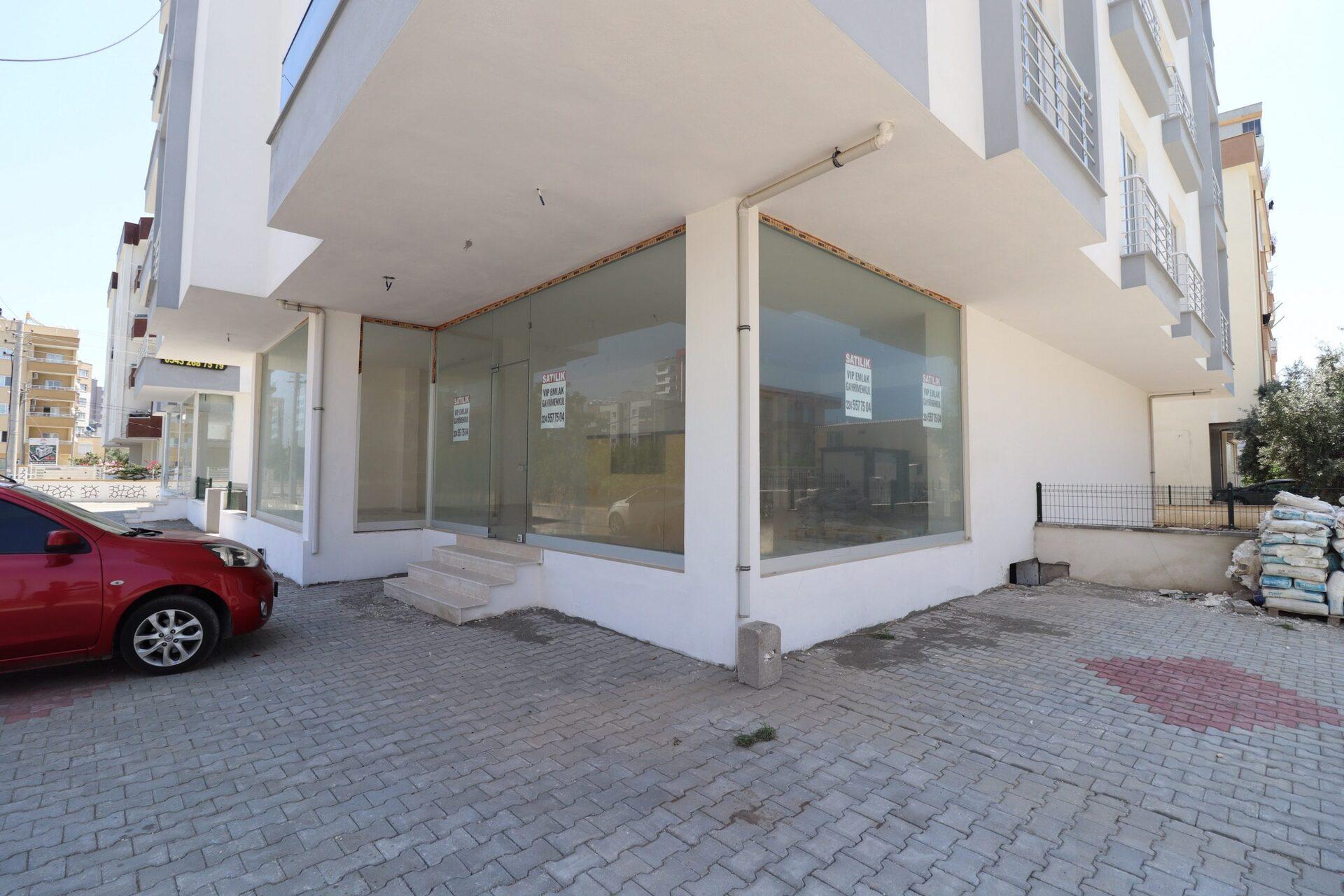 Erdemli Alata Mahallesi Köşe Başı Satılık Dükkan