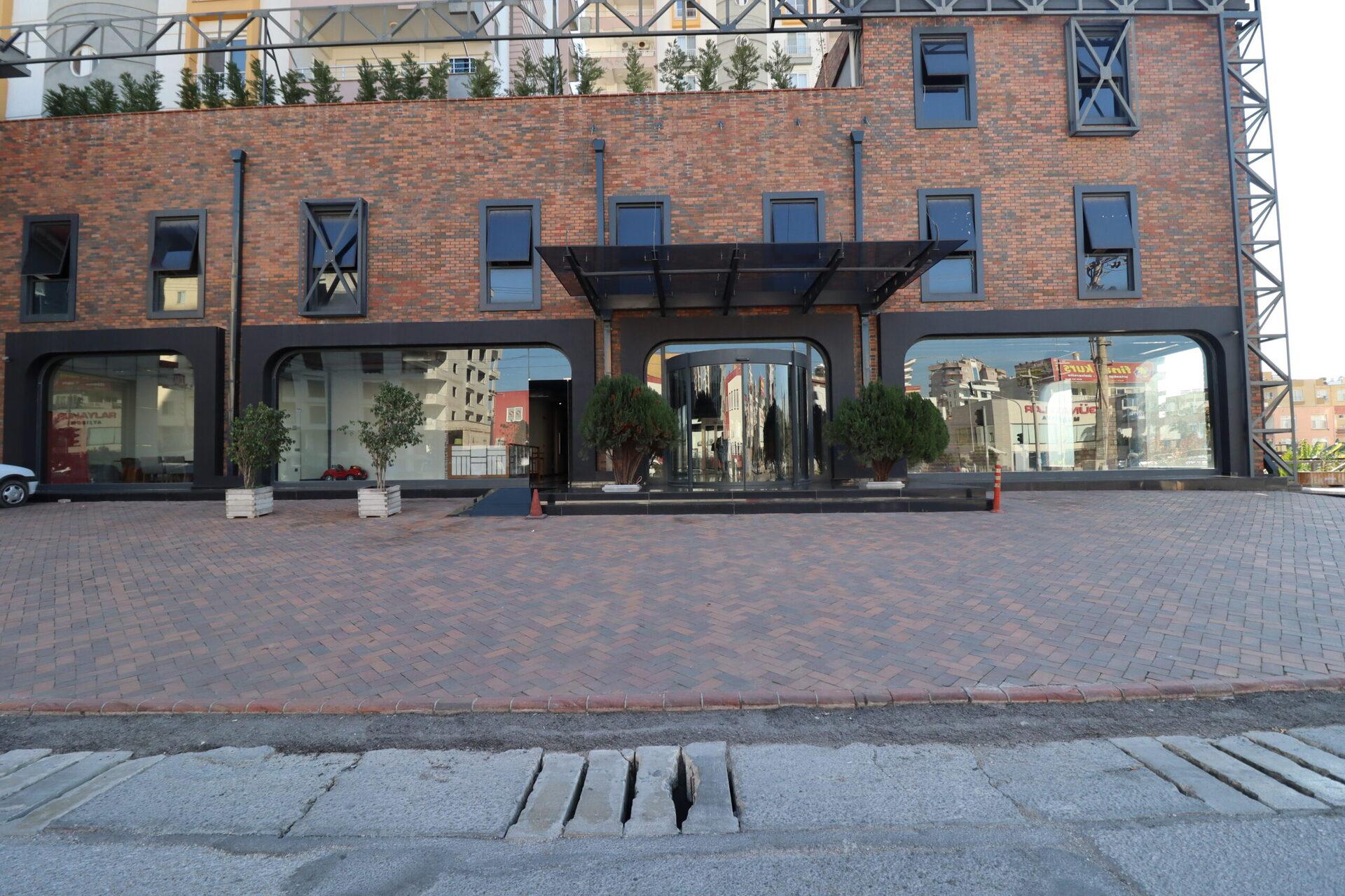 Türkiye Mersin Erdemli Ana Cadde üzeri Satılık 61 Odalı Otel