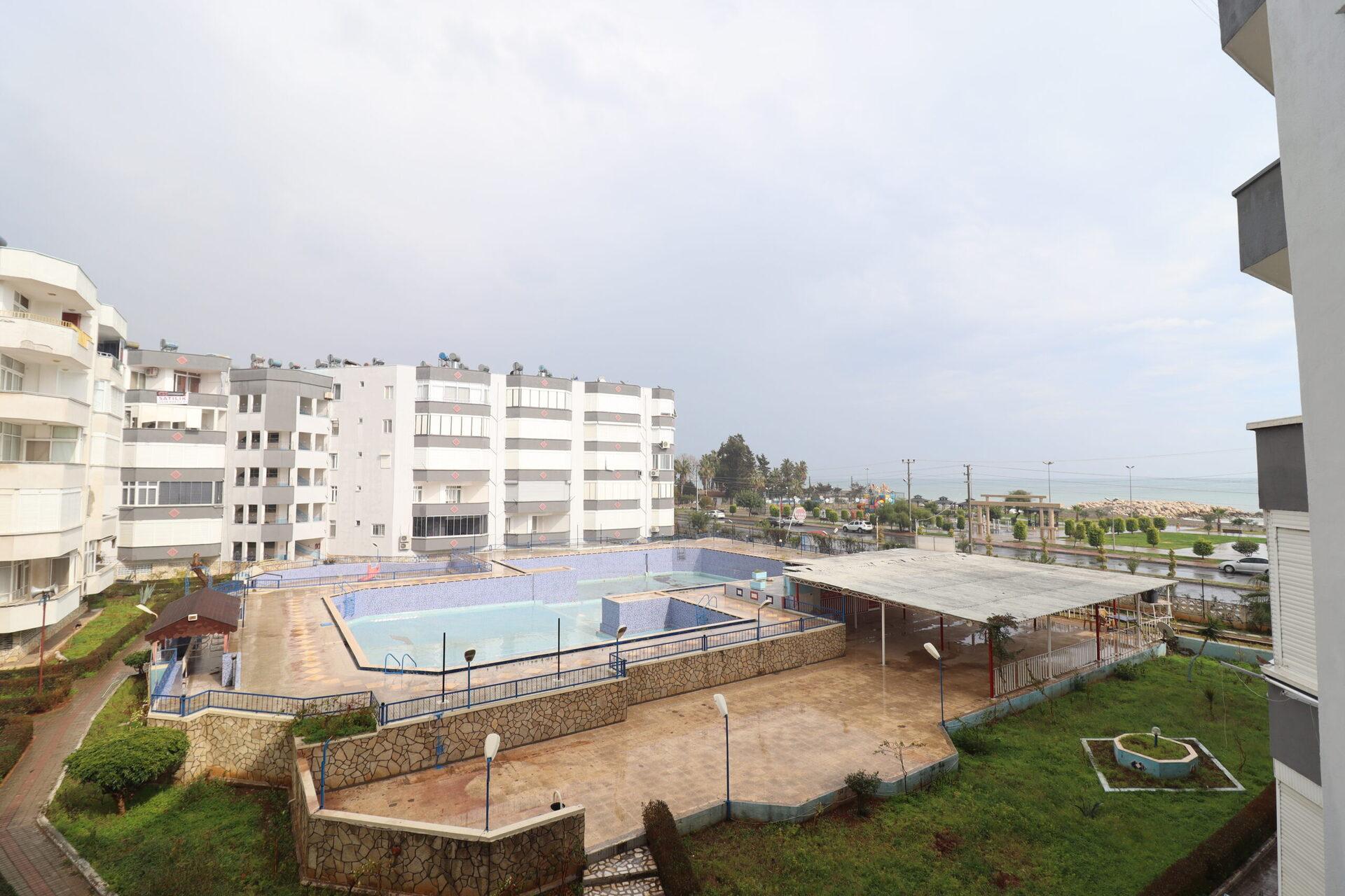Mersin Erdemli Güzeldağ Havuzlu Sitede Satılık 2+1 Eşyalı Daire