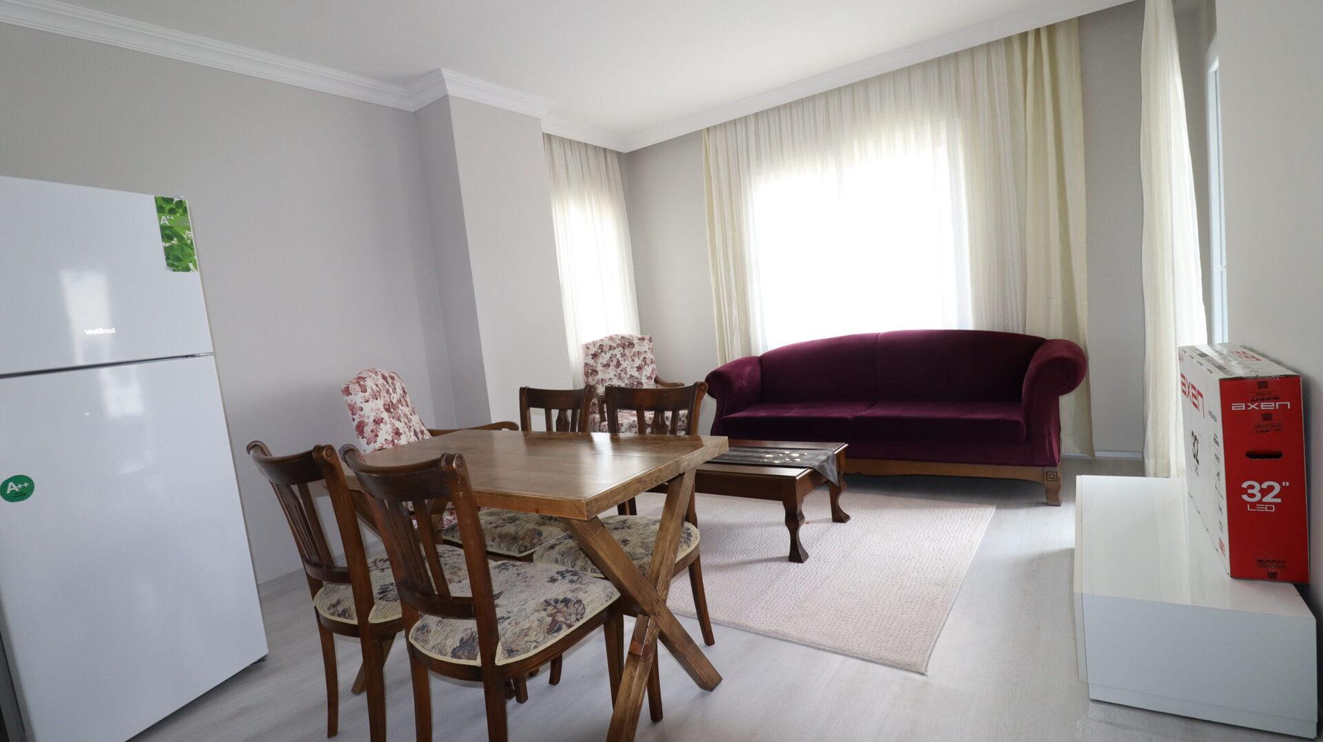 In der Nähe der Universität Mersin Erdemli Alata Möblierte 1 + 1 Wohnung zu vermieten