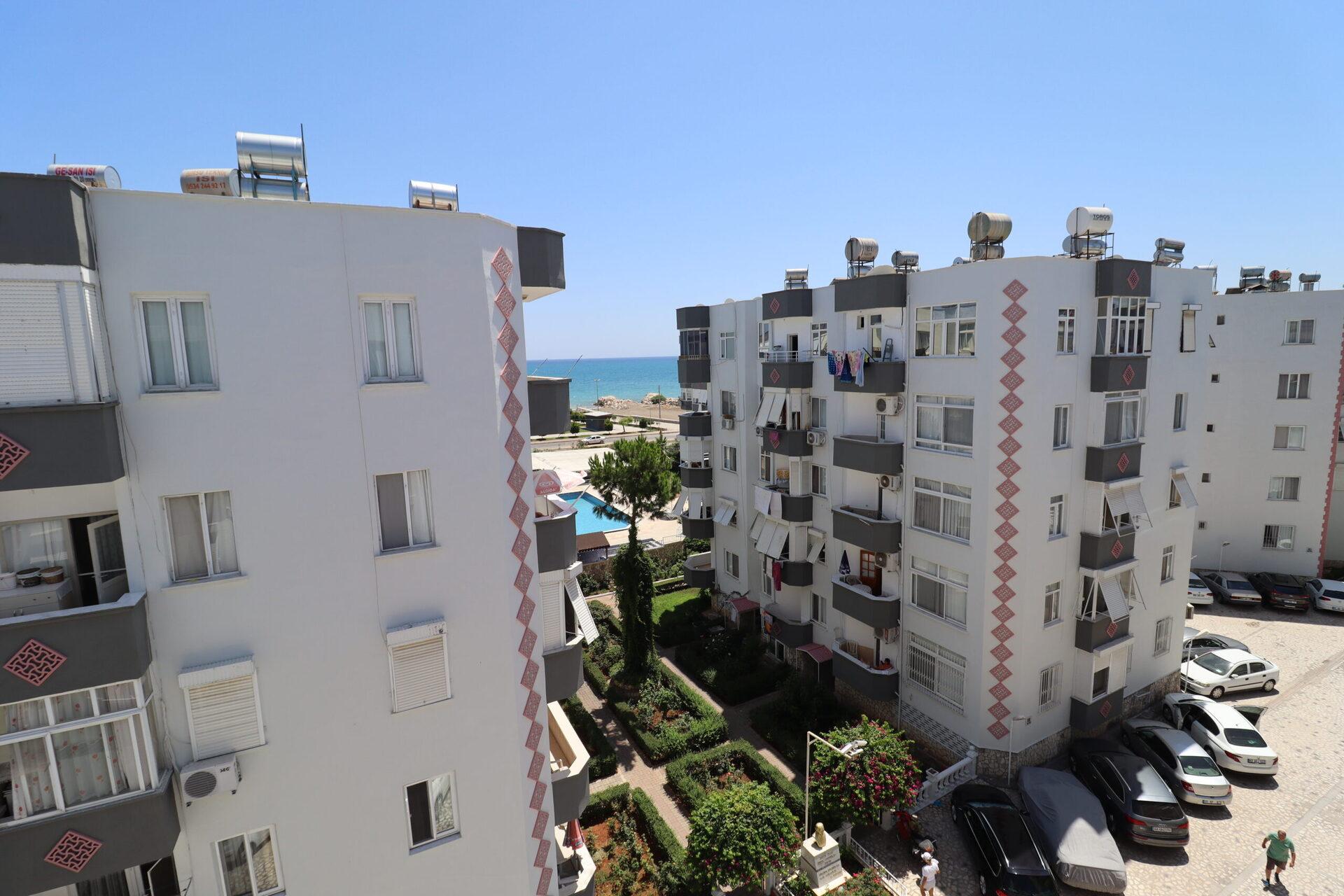 Mersin Erdemli Güzel Dağ Sitesi 1+1 Wohnung zu verkaufen